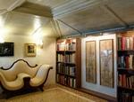 Un ambiente del museo in cui è stata allestita la collezione Roi